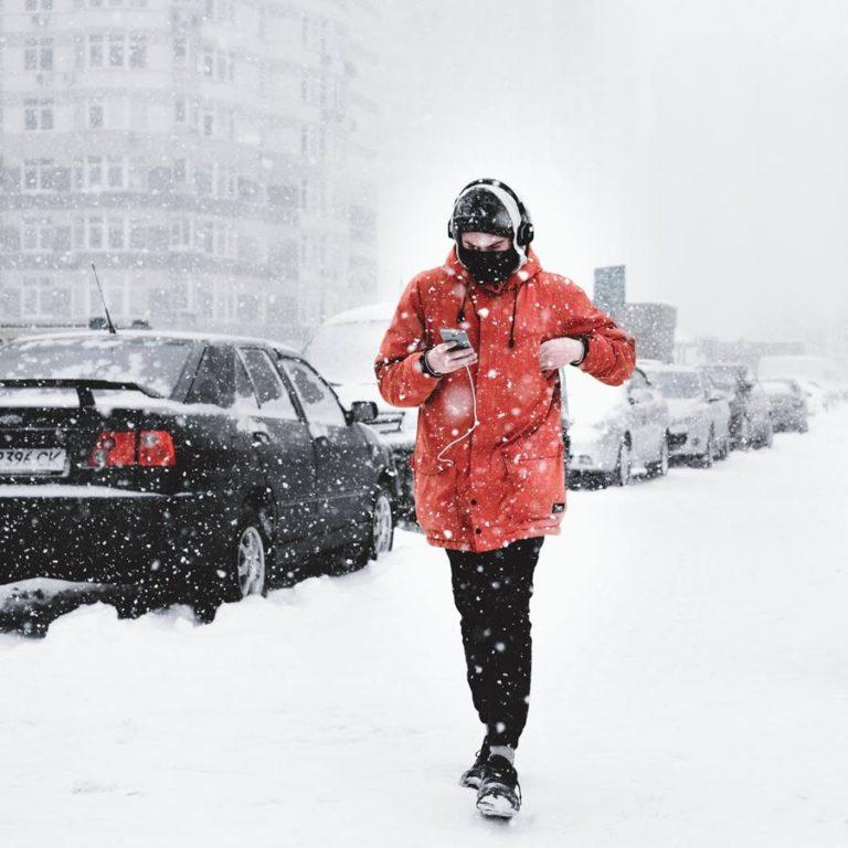 Jak wybrać najlepszą kurtkę na zimę?