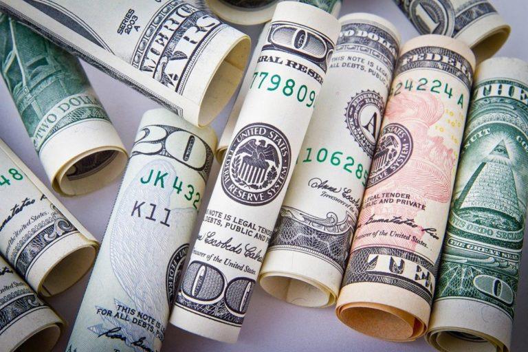W jaki sposób otrzymamy pożyczkę online?